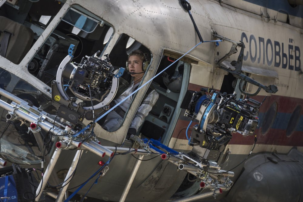 Florence Pugh in helicopter rig (Marvel's Black Widow)