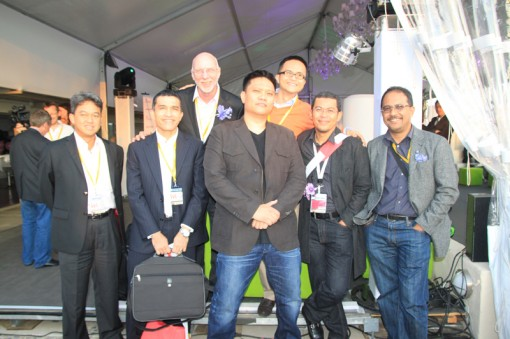 (Left to Right) Ahmad Fuaad Kenali, CFO-Finance of Astro Malaysia Holdings; Hisham Mokhtar, Director-Investments of Khazanah Nasional; Michael Lake, CEO of Pinewood Iskandar Malaysia Studios; Leon Tan, CEO of Tripod Entertainment; CJ See, Marketing Director of Inspidea; Saifulbahri Hassan, VP of MAVCAP; Jamaludin Bujang, CEO of MAVCAP