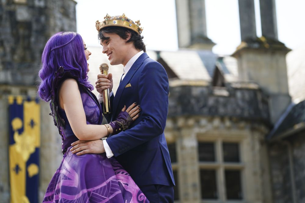 Mal (Dove Cameron) and Ben (Mitchell Hope) got engaged in 2019's Descendants 3.