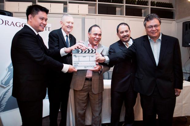 Leon Tan Executive Director of DragonSlate, Greg Coote Executive Director of DragonSlate, Ybhg Datuk Haji Md Afendi Hamdan Chairman of FINAS, Jamaludin Bujang CEO of MAVCAP, Kamil Othman VP of MDeC