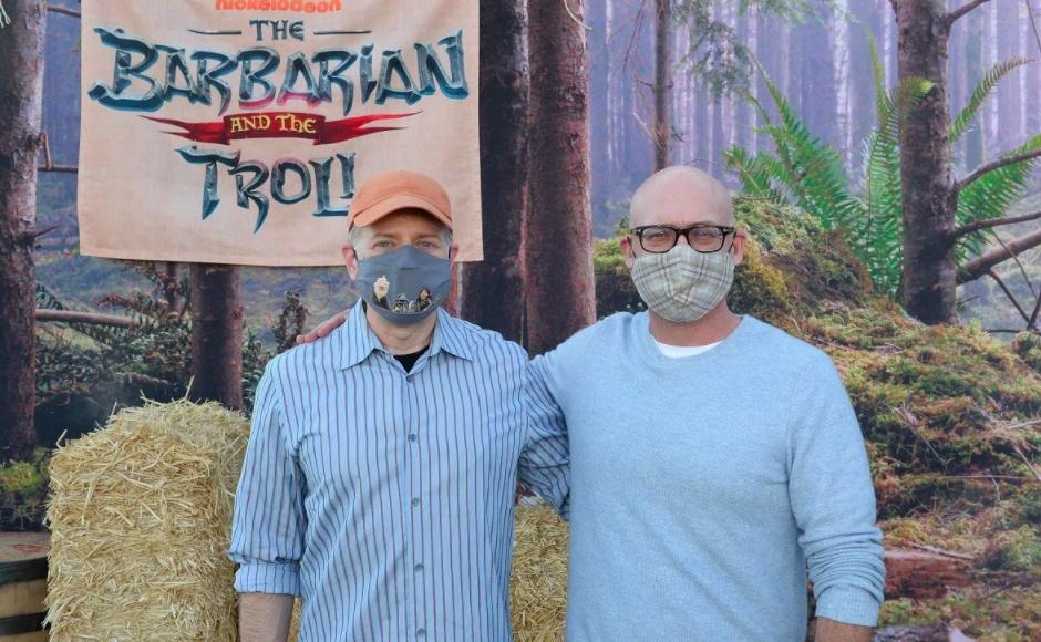 Los Maestros de las marionetas enmascarados: Drew Massey (izquierda) y Mike Mitchell