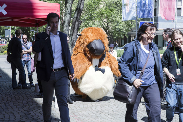 Bruno the Beaver, the 2018 mascot from Animationinstitut's trailers, mingles with the FMX crowd. Courtesy of FMX 2018, photographers Dominique Brewing and Luzie Marquardt