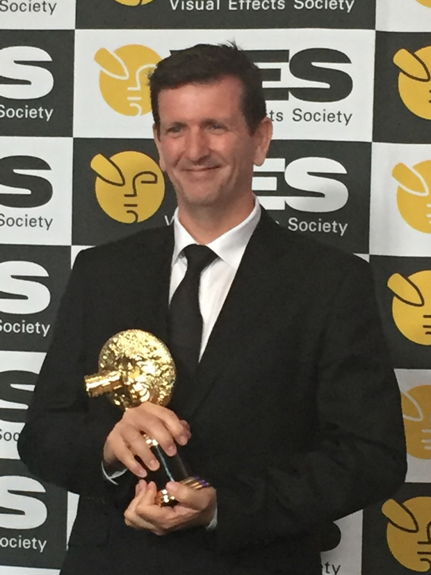 Glenn Melenhorst with the VE Award for VFX in a Photoreal Episode for Game of Thrones
