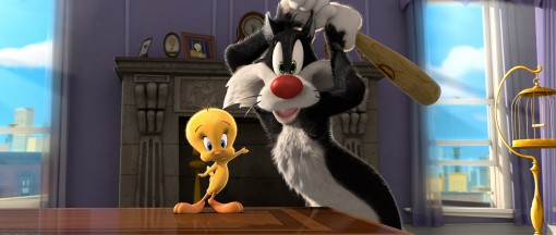 Sylvester the Cat (right) and his prey, Tweety Bird (left), in the new Looney Tunes 3D theatrical short I Tawt I Taw a Puddy Tat, debuting in theaters on November 18, in conjunction with Warner Bros. Pictures' release of Happy Feet Two. (Photo Credit: © Warner Bros. Entertainment Inc. All Rights Reserved)