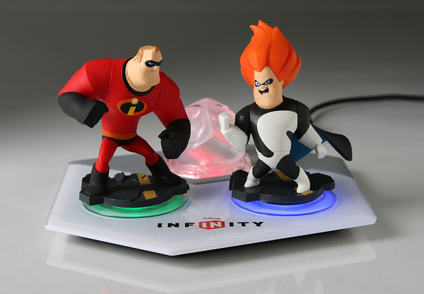 Disney Infinity Unveils New Incredibles Play Set Images