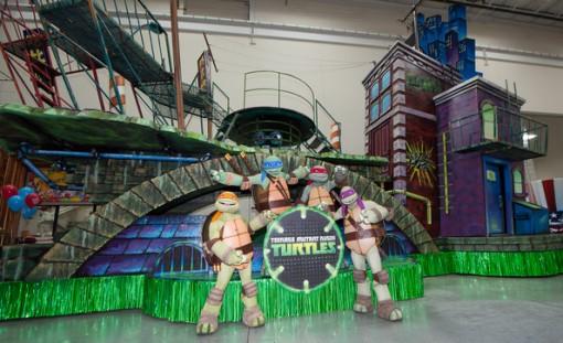 Teenage Mutant Ninja Turtles float