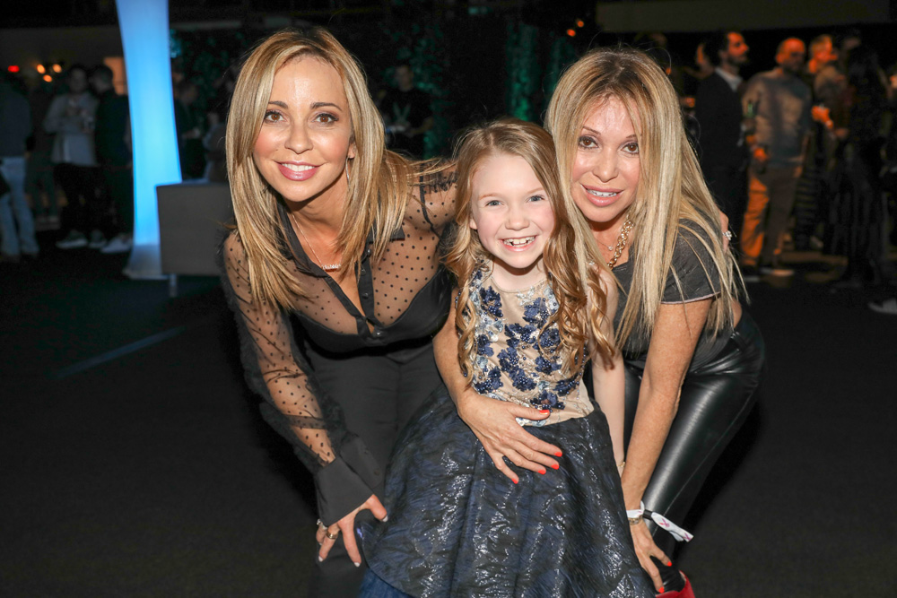 L-R: Annie Award voice acting nominees Tara Strong (Unikitty) and Juliet Donenfeld (Pete the Cat) alongside voice performer E.G. Daily (Rugrats).