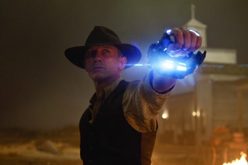 DANIEL CRAIG as a stranger with no memory of his past in an event film for summer 2011 that crosses the classic Western with the alien-invasion movie in a blazingly original way: ?Cowboys & Aliens?.