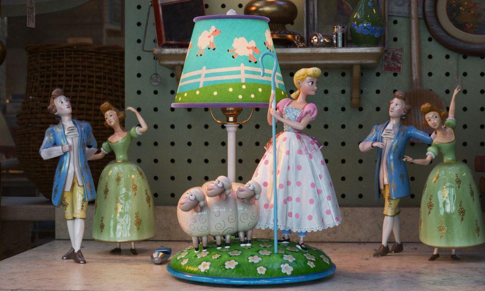 Resultado de imagen de Toy Story 4: Lamp Life de Valerie LaPointe