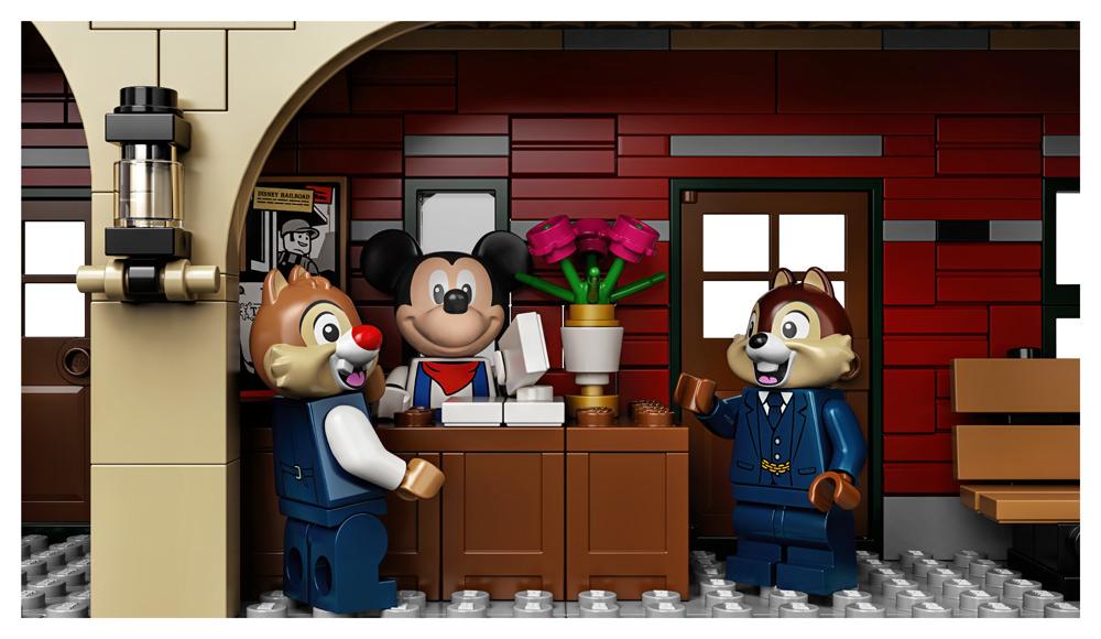LEGO   Disney Train and Station