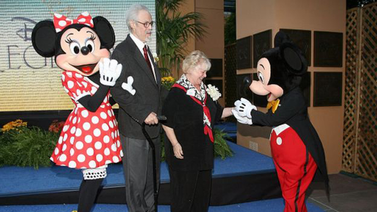 Russi Taylor (right) and her husband/costar Wayne Allwine receiving their Disney Legend honors in 2008 for voicing Minnie and Mickey Mouse.