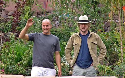 (from left) Woody Harrelson and Owen Wilson